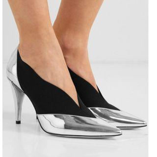 Givenchy Mirrored-leather and elastic pumps (NP)