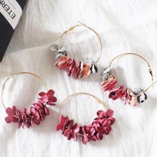 [PO] Holly Floral Hoop Earrings