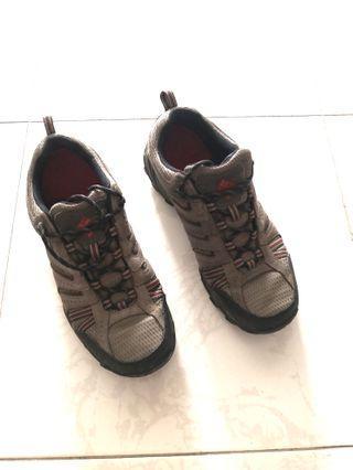 Columbia hiking shoes