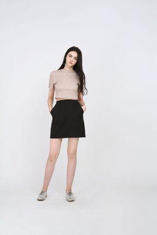 🚚 runwaybandits komari a line mini skirt in black