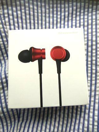 🚚 New authentic Xiaomi earphones basic, 6 mths warranty