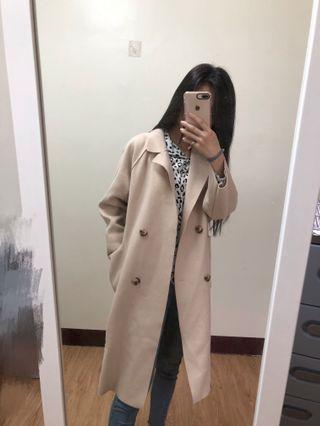 🚚 米色大衣外套