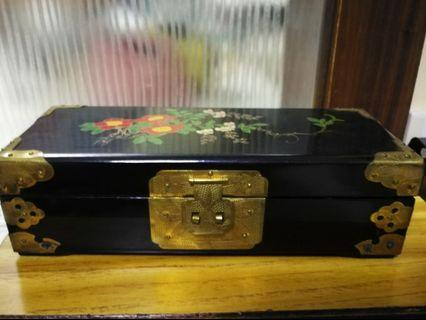 七十年代手繪製盒一個
