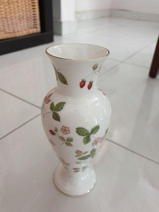 Wedgewood vase and cup