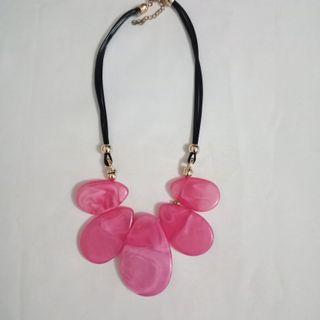 #BAPAU Kalung acrylics pink