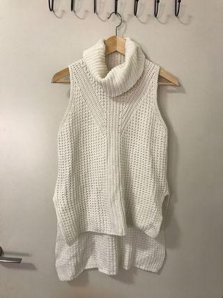White sleeveless turtleneck knit