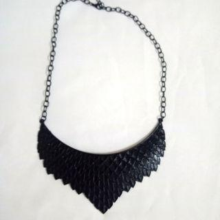 #BAPAU Kalung hitam untuk kebaya