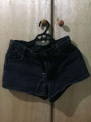 Semi HW shorts