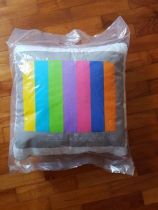 🚚 Vintage TV screen cushion