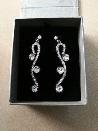 🚚 (Brand New) Elegant earrings