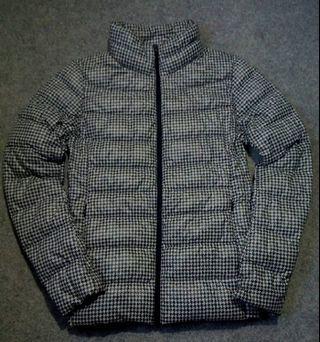 UNIQLO Houndstooth Pattern Down Ultralight Jacket