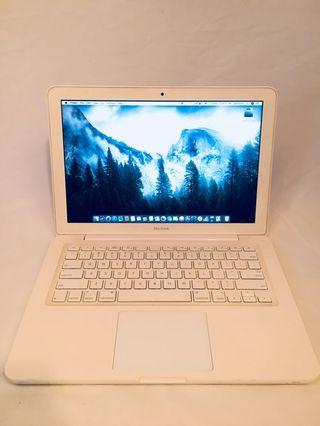 "MacBook white 13"" condition perfect"