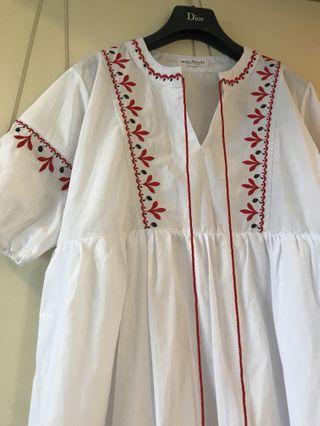 🚚 民俗風白色洋裝