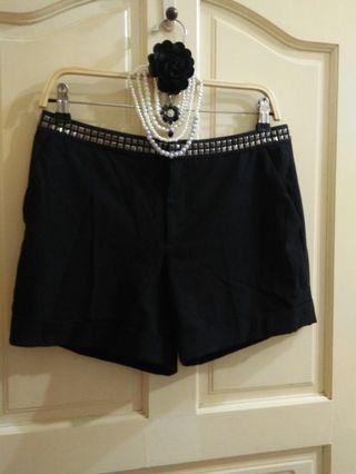 ZARA鉚釘腰鏈造型短褲