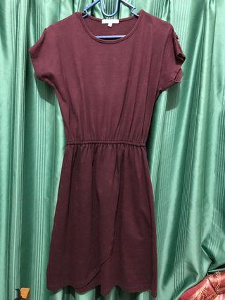 Dress Maroon Details