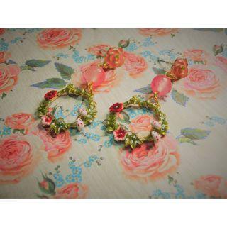 粉紅花環耳環