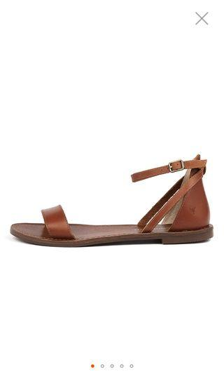 Brighton tan leather sandals