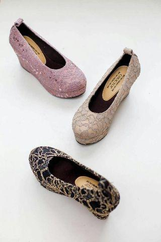 Wedges lace