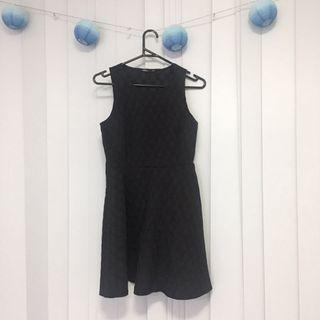 Tokito black dress