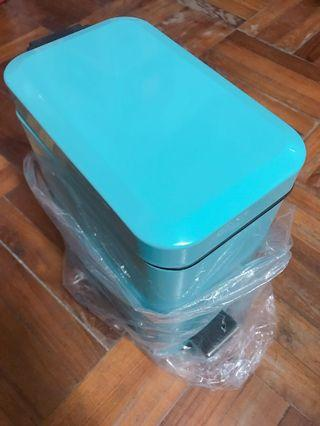 tiffany blue腳踏式垃圾桶