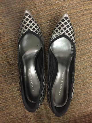 Netted design ladies heels/ shoes