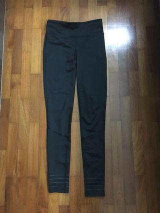 🚚 black sports leggings