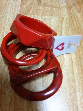 Statement Fashion Red Bangles (1 Set)