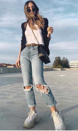 Zara單寧牛仔破褲歐美服飾,喜歡zara H&M 風格先完成匯款免費贈送10件 超值福袋 隨機出貨二手商品包括:鞋、襪、包包、褲子、裙子、上衣、飾品、美妝、家用品