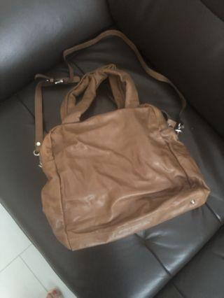 🚚 Chat chat authentic Camel colour handbag