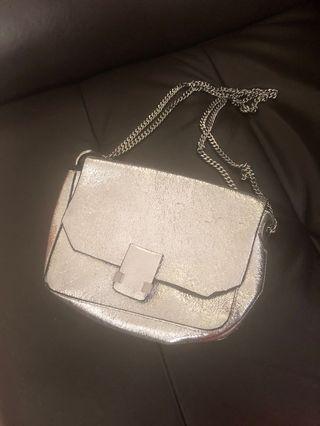 🚚 Zara silver sling bag