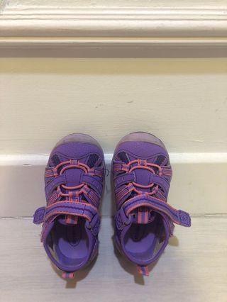 Strike ride walking shoes