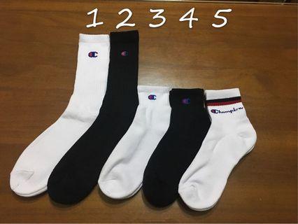出清中 Champion  冠軍襪 長襪 中筒襪 襪子 黑色 白色