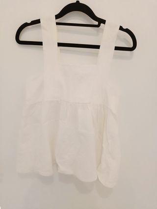 🚚 White Sleeveless top