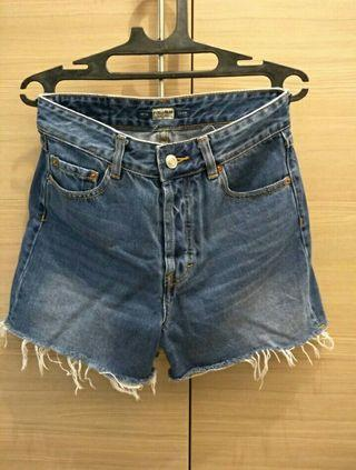 #BAPAU Hotpants/Celana Pendek/Short Pants Denim (Jeans) Pull&Bear Dark Blue High Waist XS
