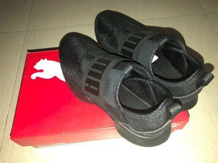 Slip-on, All Black