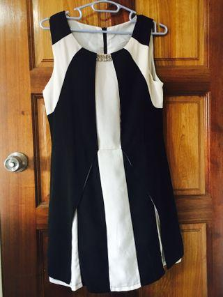 🚚 Dressabelle black and white dress