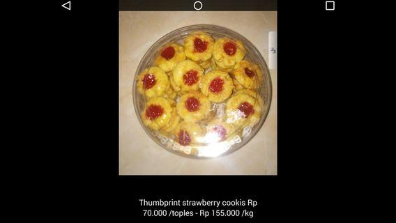 Thumbprint strowbery cookies #BAPAU