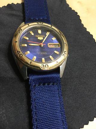 🚚 精工5號,藍盤運動風,換個錶面換種心情