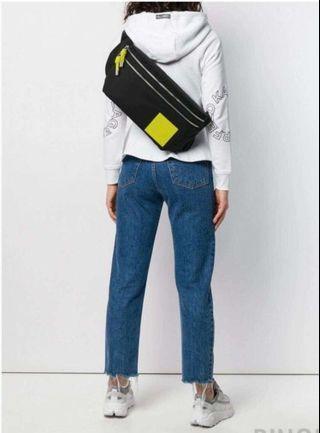 Karl 卡爾最新腰包