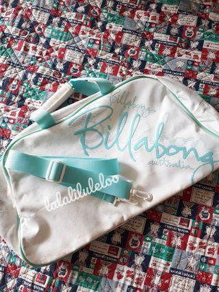 BILLABONG white travel/fitness bag