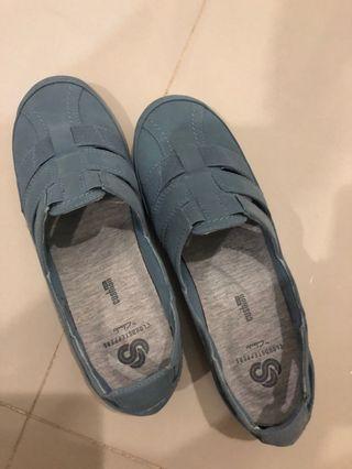 🚚 Clarks Sneakers
