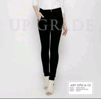 jeans hitam pencil