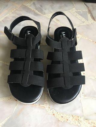 Larrie comfy black sandals