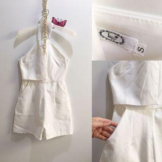White Jumpsuit aize XS to S kecil