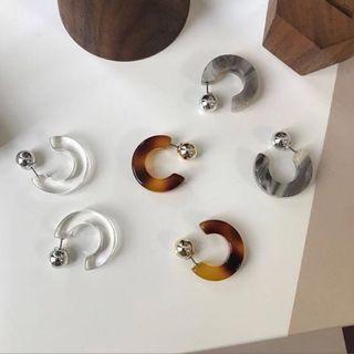 灰色石紋耳環