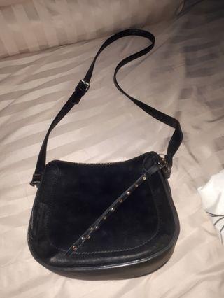 Staradivarius ori sling bag