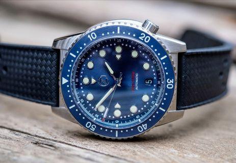 🚚 Zelos Mako V2 500m Diver Watch