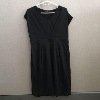 🚚 Maternity Black Dress