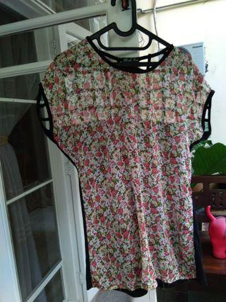 Flash cute floral top with accent on the back - bisa S dan M