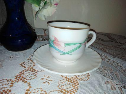 Arcopal cup & saucer set